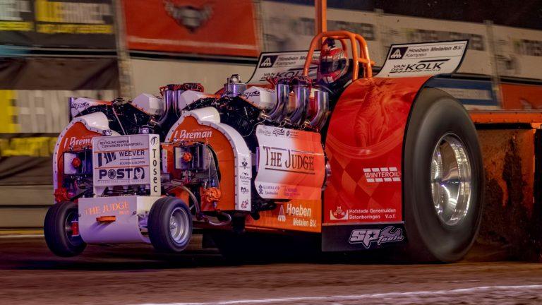 Actie, spektakel en heel veel motorisch geweld tijdens Indoor Tractor Pulling